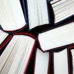 汚れから本を守る!おすすめの透明カバーやフィルムを紹介