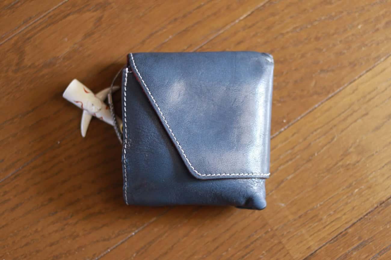 旅行財布:二つ折りに状態