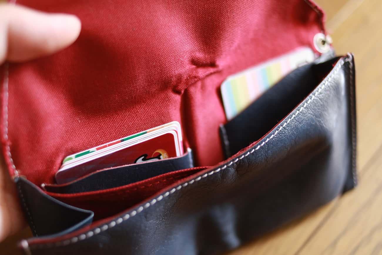 旅行財布のカード入れ