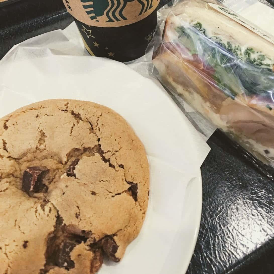 チョコレートチャンククッキー(スターバックス)