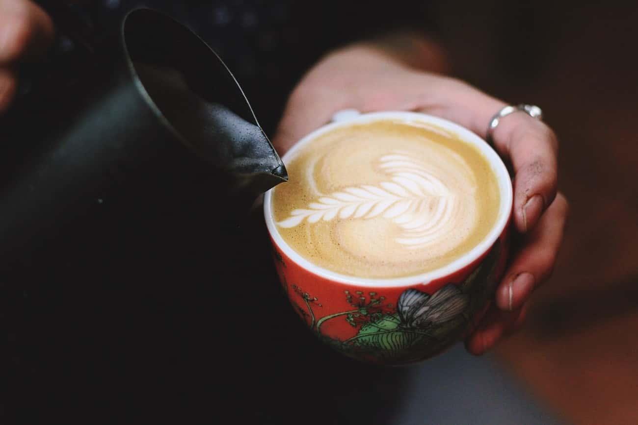ブラックコーヒーアレンジ:カフェラテ